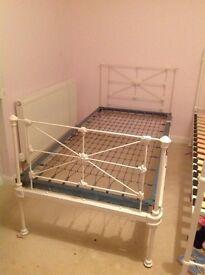Beautiful Victorian cast iron single bed