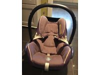 Maxi cosi Cabriofix car seat in grape (baby up to 15kg)