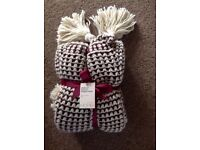 Mulberry Popcorn Knitted Throw