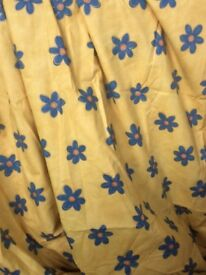 Large fully lined Retro Curtain