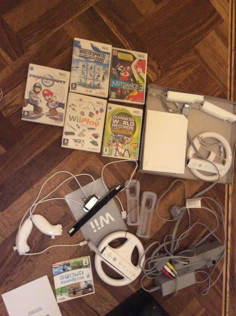 Fabulous bundle of Nintendo Wii console and games