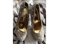 Gold cream sandals with sparkly Diamented white embroidery size 6