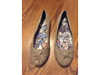 Flat size 9eee ladies shoes