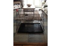 Ellie bo foldable dog cage in excellent condition. 760 x520 cm x 550 high. Ideal for hatchback car