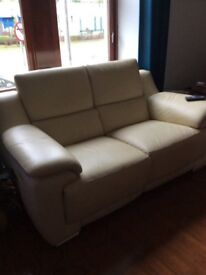2 & 3 seater cream leather electric recliner suite.