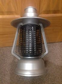 Bug Zapper - suitable for patios or camping holidays (chargeable)