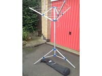 Kampa Rotary washing line complete with bag, very little used, in excellent condition.