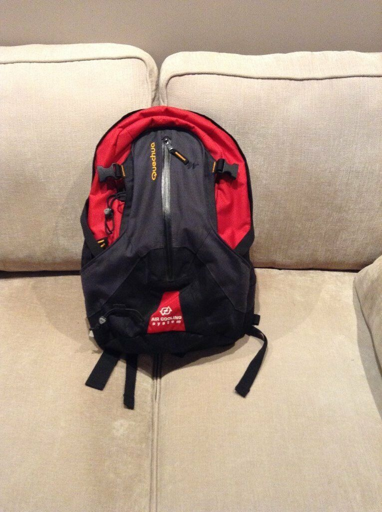 Quechua Forclaz 25 Air Backpackin Trafford, ManchesterGumtree - Quechua Forclaz 25 Air Backpack This extremely comfortable rucksack has a semi rigid ventilated back. Never used as was a gift so like new. No marks whatsoever. Quechua is a popular outdoors sporting goods brand in Europe. Designed for hikes in all...