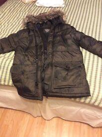 Camo parka jacket size M 10/10