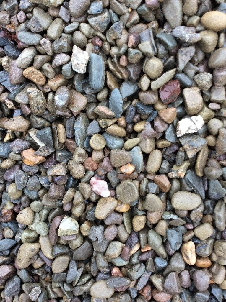 20 mm riverbed garden and driveway chips/ gravel