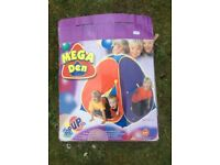 Kids mega den pop up play tent