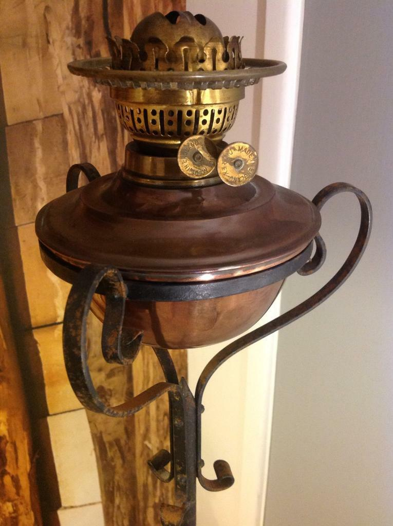 Antique Copper Oil Lamp with telescopic stand