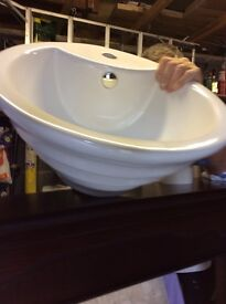 White countertop bathroom basin.