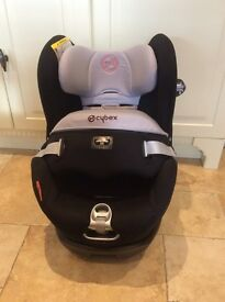 Car seat Cybex Sirona Extended rear facing. Group 0+/1, 0-18kgs, up to approx. 4 years.