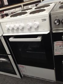 Beko white electric cooker. 4 ring hob. A rated single cavity oven £180 new/graded 12 month Gtee