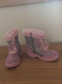 Pink fur winter boots