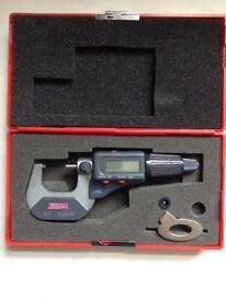 SPI 0-25 mm. Digital Micrometer