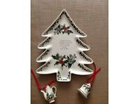 Portmeirion Holly and Ivy Christmas Tree Plate and Two Tree Decorations