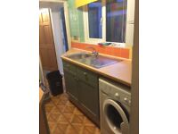 Wood Green 3 bedroom house 3 minutes from Tube ideal for 3 Professional Sharers or Mature Students