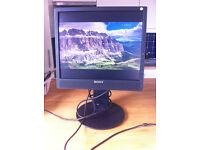 Sony SDM X75K TFT LDC Computer Monitor / Display 17''