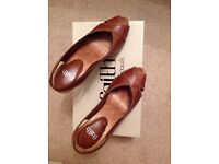 Ladies tan and leather peep toe shoes