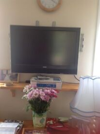 FOR SPARE OR REPAIR TWO LCD TV SONY BRAVIA AND THOSHIBA