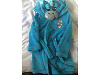 Dressing gown aged 4-5yrs