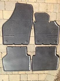GENUINE VOLKSWAGEN TIGUAN FRONT+REAR RUBBER MATS (MY 07 - 15)