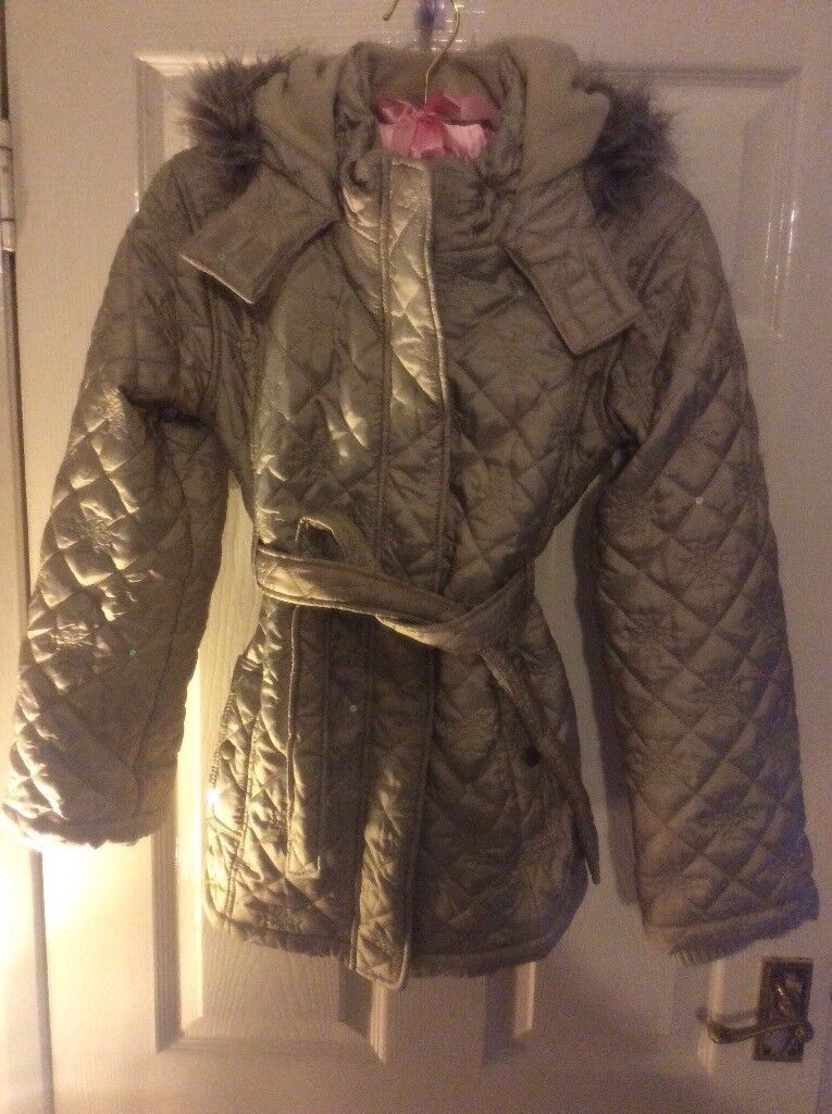 Girls gorgeous jacket age 11-12 with hood great for winter