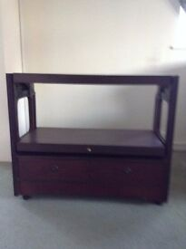 HOSTESS TROLLEY / CONVERTIBLE TABLE