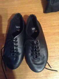 Girls starlite dance shoes size 10