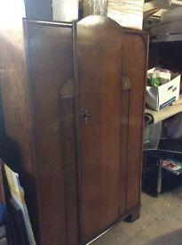 Old Oak / veneer wardrobe : free Glasgow Delivery