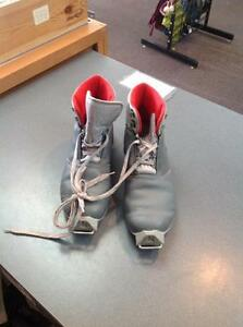 Salomon SR351 X country Ski boots -size 42- grey (sku: Z15115)