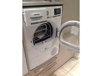 Free standing Siemens WT48Y801GB Tumble Dryer - Ex-display