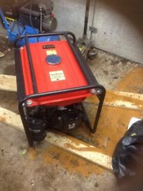Clark petrol generator 2.8kv