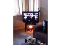 """TV ( 32-43"""" Hoher) plus Dvd player,Antenna - both no remote control enclosed"""