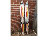 £10 ONO FOR A SET OF WATER SKIS IN EXCELLENT CONDITION