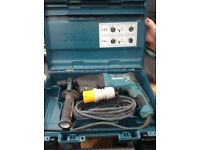 Makita 110v corded drill HR2610 800w in box as new condition