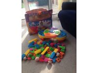 Playskool Clipo 100 piece creativity table