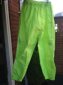 Oxford rain seal over trousers