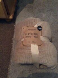Super Soft 150 x200cm Stripe Throw