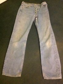 LEVI 501 ladies jeans. 29waist, 34 length. No tears or rips