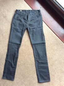 Women's Levi Jeans 28 waist, 32 leg