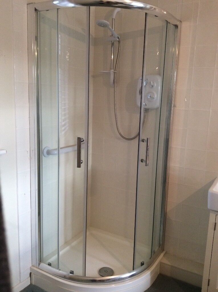 Shower tray and quadrant shower cubicle