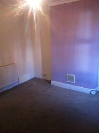 Room for rent-- Tilehurst