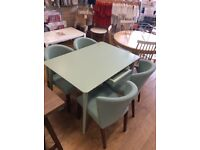 Table 4x chairs