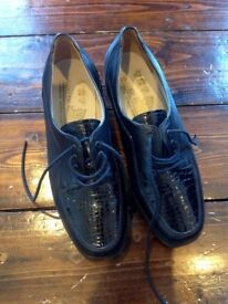 Size 4 Brand New Flat Shoes