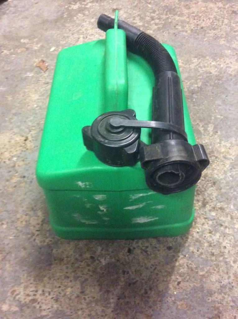 5 litre unleaded petrol can