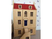 Georgian Dolls House, Family & Furniture. As New!