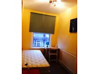CUTE SINGLE ROOM, 10 MNTS WALK CANNING TOWN, CLOSE TO CANARY WHARF & STRATFORD, ZONE 2, NIGHT TUBE,P